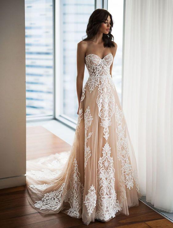 весільна сукня А-силует